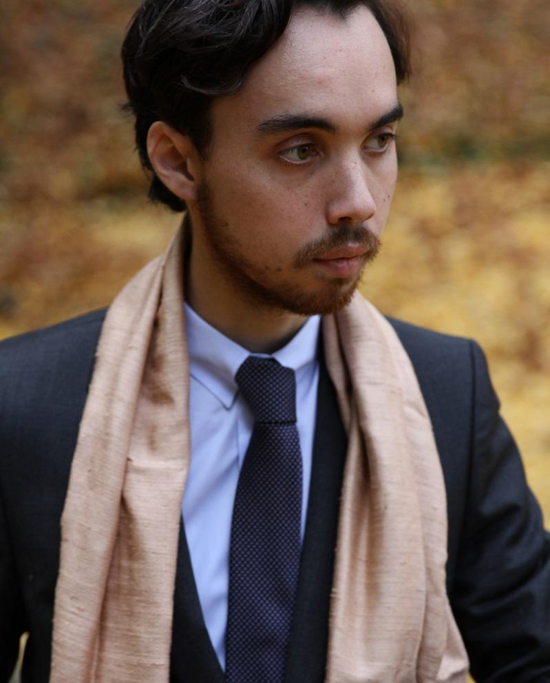 imagesporter-un-foulard-homme-10.jpg